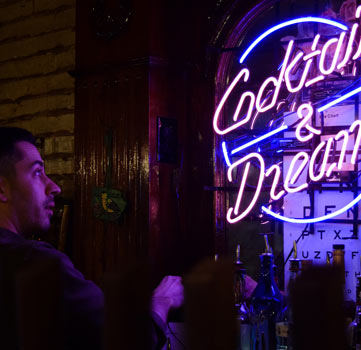 Cocktails & Dreams Sign